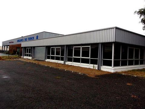 Local commercial de 400m² idéalement situé dans zone industriel, avec parking, le tout clos sur 2524m².Non assujetti DPE.(honoraires inclus 6.5%). REF : LX8547. FAI 6.4%. Perdriault Anael ...