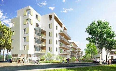 A saisir ! En plein coeur de la ZAC du triangle (intersection rue Anatole France / Jean Jaures), quartier des ilots verts, en plein développement initié dans le cadre d'une rénovation urbaine importante, vente d'un local traversant de 119m2 avec une ...