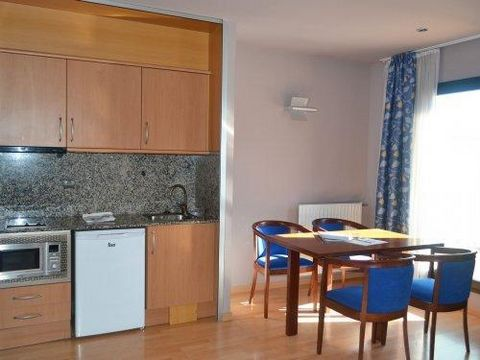 Residence Pas de la Casa Alaska is located in the heart of the resort, 100 m from the ski lifts that lead to Grandvalira-Pas. It is a 6-floor building with lift that offers well-equipped apartments. A restaurant on the ground floor proposes breakfast...