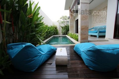 Designed and furnished with taste, the villa Macaron2 promises a holiday delight in a gentle Balinese. Under a baking sun, we offer the menu, the calm and rest in the luscious pool of the villa, a stroll on foot or by scooter in Seminyak with spicy f...