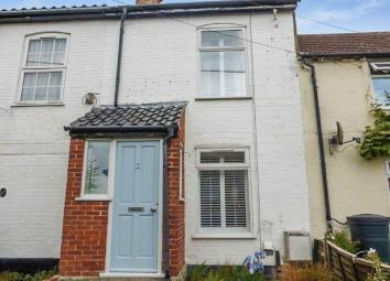 *Ideal second home near the coast for holiday makers or for first time buyer* We are pleased to offer this spacious, attractive cottage within walking distance to the beach, situated in the popular coastal village of Kessingland. Accommodation compri...