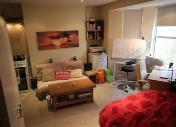 Khalil Properties are presenting this modern, open plan Lower ground floor studio flat available on Wellington Road!!! Property benefits from a Good Size Studio area where you can fit double bed, wardrobe and other storage items. The studio has doubl...