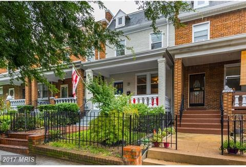 Solid renovation by Walnut St Dev. Built in bar, loads of kitchen storage & counter space, vaulted master BR ceiling, ensuite master bath w/ 2 sinks, custom closet fixtures, skylight, washer/dryer on bedroom lvl, private office, rec room, workshop. F...