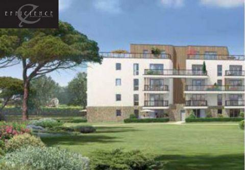 A vendre Studio alcove dans LMNP, situé au 1er étage. Il dispose d'une superficie de 37.62m². Parfaitement située dans le village d'Arzon et près du port de plaisance réputé du Crouesty, la résidence offre un cadre de vie unique aux seniors. Les comm...