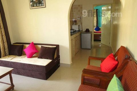 Self catering, air conditioned, 1 bedroom apartment, sleeps 4 people, with 2 swimming pools. The Colonia De Braganza is at a superb point within Calangute. The complex itself is tucked away and retains a peaceful ambience, but with shops and bars wit...