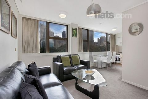 Complimentary Fast fiber Internet plus Local and International Cable TV. Overlooking Sydney's Hyde Park & the Sydney CBD skyline, this air conditioned fully furnished Executive Apartment has everything for a comfortable stay. Space: Sweeping views ac...