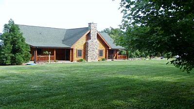 Come stay in the gorgeous Shenandoah Mountains and allow the sound of the country side take you to your peaceful place with Nature.