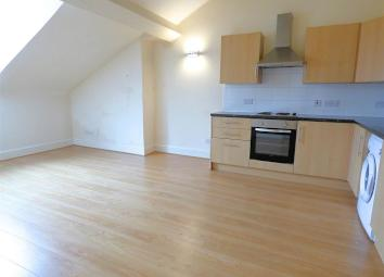 Centrick Property is pleased to offer to the rental market this one bedroom, unfurnished apartment available 15/11/17. The property consists of open plan living space with fitted breakfast kitchen equipped with basic white goods and offers one double...