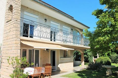 Au Pays du Facteur Cheval, venez découvrir cette grande villa de 230m² !
