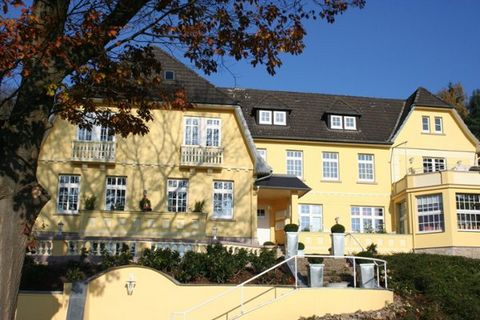 House am Rosenhof is a beautifully renovated property situated just on the edge of the health resort of Bad Pyrmont, with its beautiful castle and various health facilities. The stately looking property dates from 1918 and has recently been awarded 5...