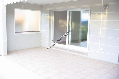 Apartment Stage RDJ, View Greenery, position west, General condition Good, Kitchen Ouverte sur séjour, Heating Separate, Hot water Separate, Rental Unfurnished, Available from 01/09/2013 Bedrooms 2, Bath 1, Toilet 1, Terrace 1, Car park 1 Building Co...