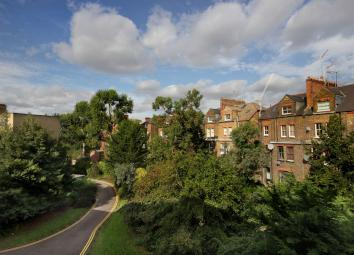 Positioned on the third floor of this purpose built development a larger than average studio apartment boasting a south aspect reception room with a good sized balcony. The property also has a separate kitchen area and and a lift service with surpris...