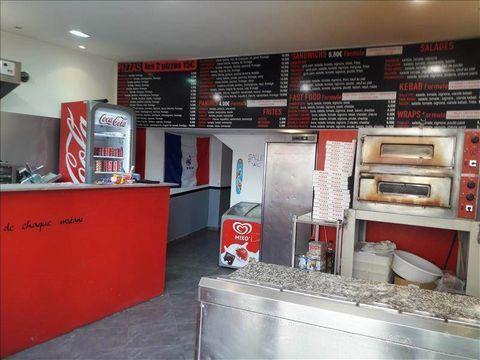 Au coeur de Marseillan ville, fond de commerce à vendre - pizzeria - snack - kebab - sucré- glaces - avec 20 places assises à l'intérieur et 10 places assises à l'extérieur. Fourni avec matériel nécessaire pour démarrer rapidement ( four à pizza, fri...