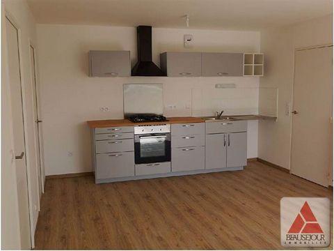 A proximité immédiate du centre-ville de Couëron, au coeur d'un environnement naturel, dans résidence récente avec ascenseur, T3 de 63 m² situé au 1er étage. Il offre une entrée, un séjour avec coin cuisine aménagé et équipé donnant sur un balcon exp...