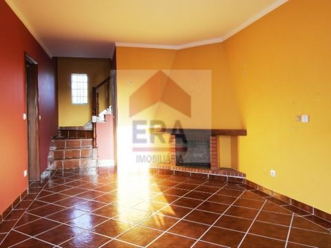 House 2 Bedrooms. More attic advantage of 42 m 2. Living room with fireplace. The two bedrooms with wardrobe. Well located. Panoramic views. Property of Bank with special financing conditions. Energy Rating: E #ref: (phone hidden)