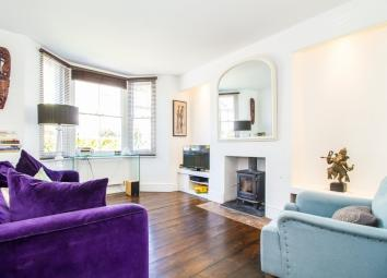 DESCRIPTION Located in one of East Oxford's most favoured side roads is this fantastic period end-of-terrace property with south facing rear garden. The property is a stunning home filled with natural light and period features. The property comprises...