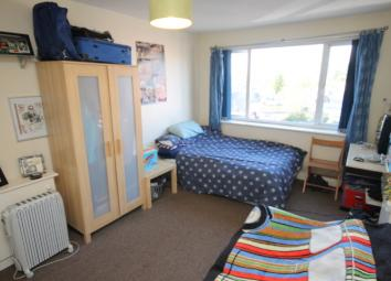 This property is a spacious living space, furnished with a double bed, sofa, wardrobe and desk. This great living space is perfect for an individual, as has everything you need for self contained living.This property has a separate bathroom with toil...