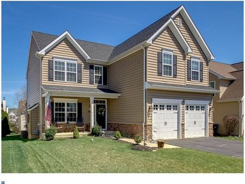 NEW IS ALWAYS BETTER!!These TWO NEW construction homes are brought to you by THE Local & Reputable WEBB BUILDING GROUP. Built on Quality and Integrity, Webb Building Group is proud to unveil their BRAND NEW Horsham Graeme Model. This 4/5 Bed 2.5/3 fu...