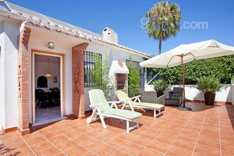 Very charming property ideal for summer holidays or spending the winter months. The two bedroom, two bathroom house has a large south facing terrace, north facing covered patio (for hot summer days) and a compact garden. There are two bedrooms and tw...