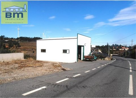 Warehouse with workshop with 2000 m2 of land located in the town of Cebolais from above. With several fruit trees, well, electricity, piped water, sanitation and at few meters from the people. Value Negotiable!!