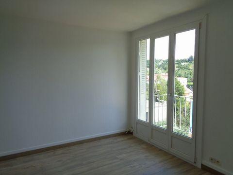 BESANCON Palente, Flat 4 Room (s) 63 m², 3rd Floor, 3 Bedrooms