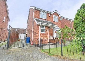 MODERN STYLE THREE BEDROOM DETACHED HOUSE WITH CONSERVATORY Summary: Forming part of a small development, this modern style three bedroom detached house benefits from a conservatory and a single garage and briefly comprises entrance hallway, cloakroo...
