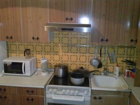 Сдается двухкомнатная квартира. Сдается впервые. Все очень прилично в квартире. Для прямых клиентов скидка. Энтузиастов ш 11Ак3, Этаж 3/17, общая пл. 42, жилая пл. 30, кухня 8, городской телефон, интернет, вся мебель, стиральная машинка, холодильник,...