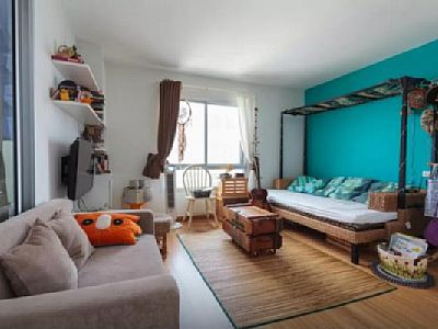 38 sqm 28th fl, corner room with City and River view. Artful decorated. Great location with 2-10 mins walking to market, tescolotus, central rama3, big street food, massage shop, local restaurants. Rates: nightly-weekend - from 40 to 40 USD