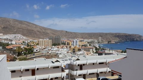 EXCLUSIVE TO TENERIFE PROEPRTY SHOP This very well presented one bedroom apartment is perfect as a winter retreat to explore Los Cristianos and beyond. Based on a well-established residential complex with large community pool. If you are planning to ...