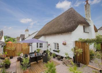 A wonderful period cottage located in the heart of this highly regarded village which is a credit to the current owners. Seamlessly blending individual character features with modern benefits the property is thought to originally date back to the 16t...
