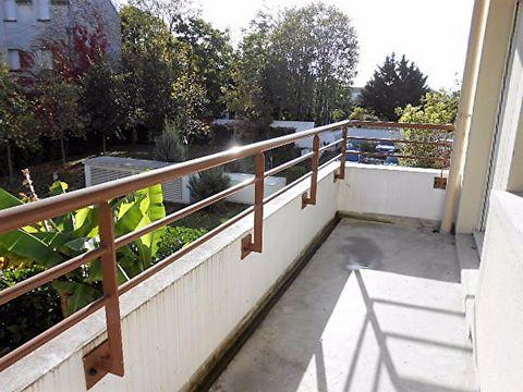 Dans une copropriété de 2010 très bien entretenue - Nous vous présentons ce bel appartement 3 pièces composé d'une entrée , séjour avec cuisine ouverte et un accès au balcon (5m²) donnant sur les jardin de la copropriété avec une vue dégagée, 2 chamb...