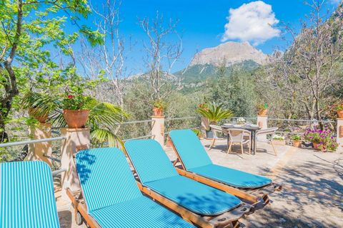 This charming chalet in Biniaraix, in the midst of the Tramuntana Mountains is perfect for 5 people. This amazing mountain cottage is set in the village of Biniaraix and counts with a nice terrace where you can prepare a tasty barbecue. Lay down on o...