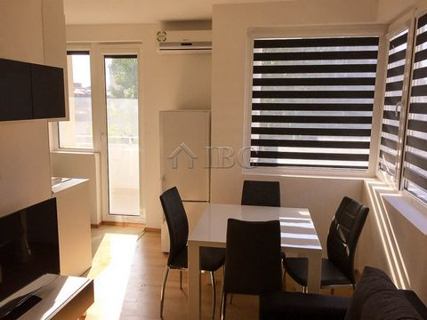 Burgas. Comfortable 2-bedroom apartment in Pearl Beach, Sunny Beach We are pleased to offer this comfortable two bedroom apartment located on the third floor in Pearl Beach complex, Sunny Beach. The complex is centrally located near Djanny restaurant...