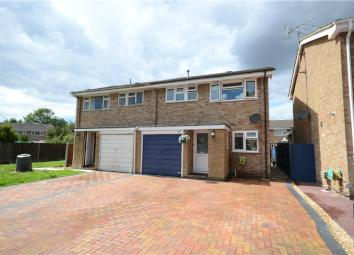 Set within a cul de sac location stands this well presented semi detached family home on the ever popular Avenue Farm development. The property benefits from a lounge/dining room, refitted kitchen and bathroom. Outside there is an enclosed rear garde...