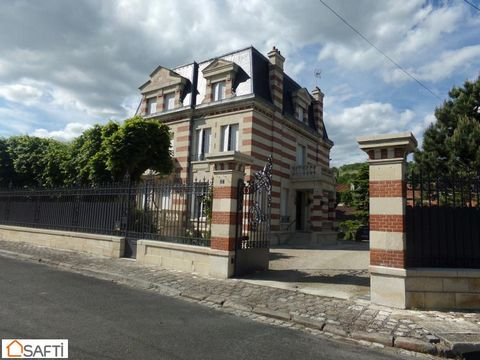 Magnificent property in the Aisne Department in France.For those who love exceptional properties, this beautiful 3 story hotel is a