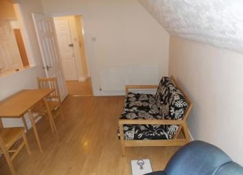 EXCLUSIVE TO INNER CITY ESTATES is this modern one bedroom apartment to rent close to Ilford Overground Station and Ilford Town Centre with communal garden and off street parking. The property boasts a spacious lounge boasting features such as lamina...