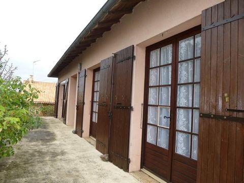 NIORT 79000. Maison 6 pièces 90 m2 habitables avec possibilité 105m2 ou plus dans secteur calme.