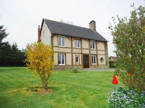 Axe Flers Briouze belle maison sur 3000 m² de terrain comprenant entrée, séjour, cuisine aménagée, 3 chambres, bureau, sde, wc. Grand garage