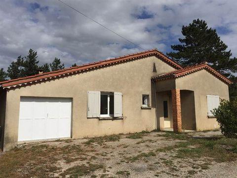 . Loyer mensuel 675 euros - Charges locatives 15 euros - Honoraire TTC à la charge du locataire 583 euros dont 200 euros d'honoraires d'état des lieux.