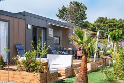 Extra charges : Exterior (private use) Plot description: 1 x parking on the estate., private part of the estate approx. 150 m²., terrace, furnishing provided, 2 deck chairs, sunshade. Brief description Type of property: mobile home, Property in a hol...