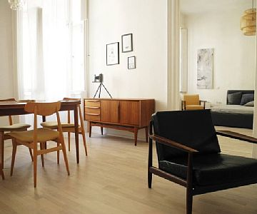 Enjoy your stay in Budapest in style. This apartment on the edge of the city centre has its own refined character down to its details, defined by clear retro lines and subdued colours, giving the place a pure but warm masculine feel. Rates: nightly-w...