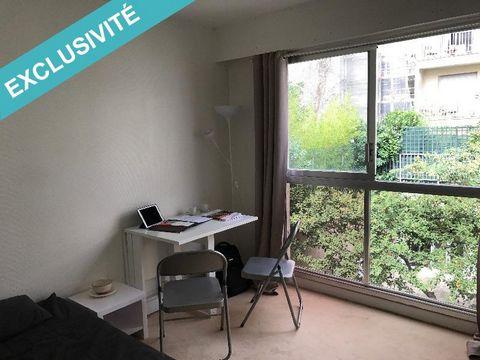 Très bien situé au carrefour : Émile Zola, Frémicourt, au milieu de la rue Fondary dans sa partie Croix-Nivert - Commerce, ce petit studio de 17 m2 bien agencé et meublé est au 1er et dernier étage sur jardin. Accessible par le 1er étage du bâtiment ...