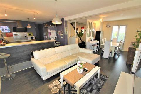 LONGUEIL STE MARIE Centre ville, House 5 Room (s) 113 m², Land 436 m², 3 Bedrooms, Fitted kitchen