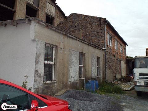 Tarn (81) Mazamet Office 64m 3 pieces, a main part with a counter, an adjoining room and a room of water (shower). Depot 224 m on a ground floor and a floor has to arrange. Preau with a plot of 475 m. REF 42617 - Fees charged seller - REF 42617 - Net...