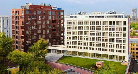 ЖК Шоколад. В квартире закончены черновые работы. Высота потолков 3,4 м. Квартира на 4 этаже (реальная высота - 8 этаж, в четырех стелобатных этажах расположены машино-места). Панорамные окна на 3 стороны, французские балконы. Современный комплекс Де...