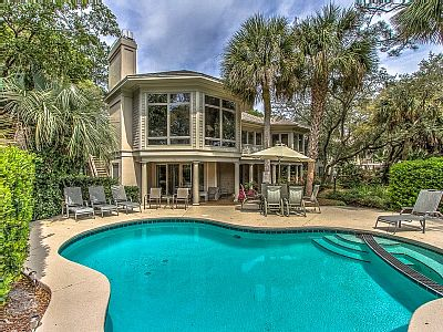 20 SANDHILL CRANE – EXQUISITE 6 BEDROOM HOME WITH ALL THE AMENITIES IN SEA PINES • Sleeps 16 • 6 Bedrooms, 6.