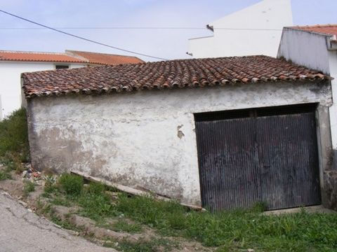 Wide space for a warehouse or a storage with a yard. You can also build a house there instead. Near the village of Lourinhã, quiet area. Just call us at (phone hidden) ENERGY RATING: IS EXEMPT.