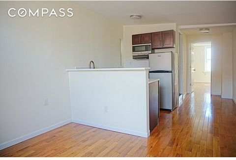 .... ONE MONTH FREE RENT!! 4th floor apartment, 3 easy flights up. Welcome to 137 First Ave in the prime East Village. The building is under new ownership and has gone through major capital improvements. Gut renovated true 2 bedroom which is blasted ...