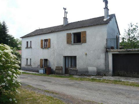 Ancienne maison de 120 m2 sur deux niveaux, à rest