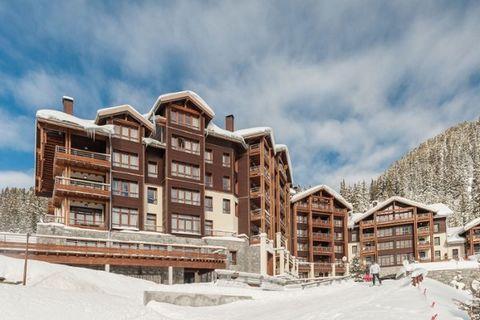 Les Terrasses d'Helios est une résidence toute neuve située à Flaine. Grâce au télésiège situé à proximité, vous reliez directement le domaine skiable du Grand Massif. Il est également possible de skier depuis la résidence à la piste. Le centre de Fl...